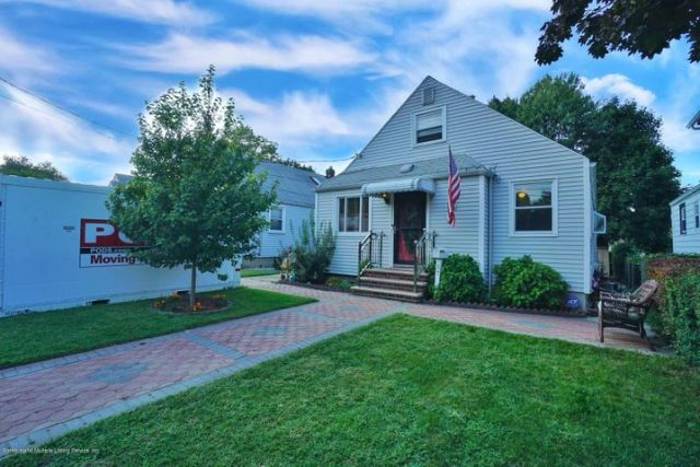 4 bedrm 2 bath home with full fin basement and large yard