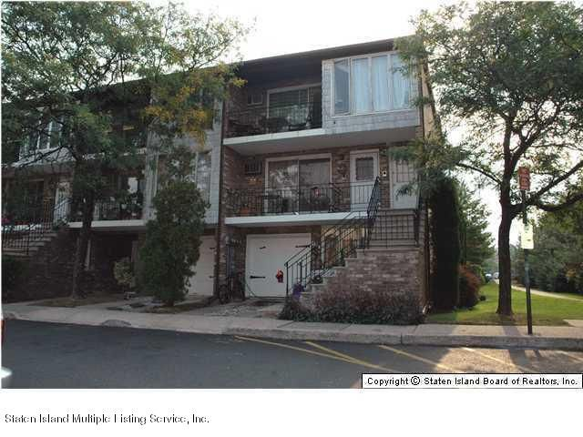60 Racal Court, 3a, Staten Island, NY 10314