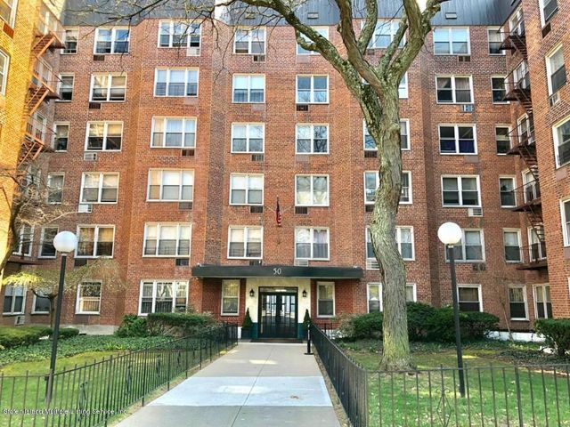50 Fort Place, Staten Island, NY 10301