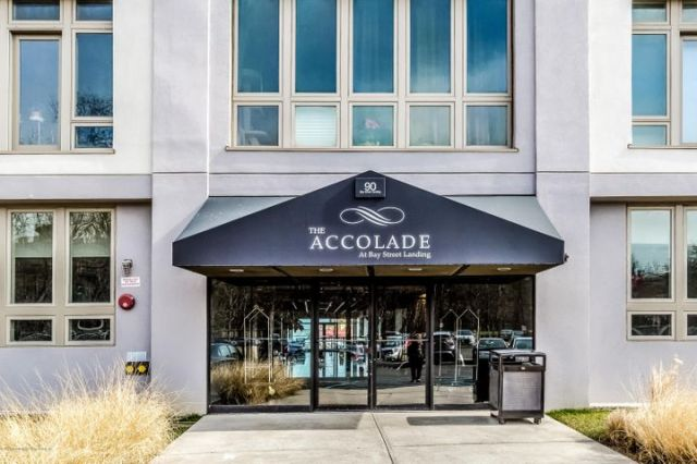 THE ACCOLADE - 90 BAY STREET LANDING
