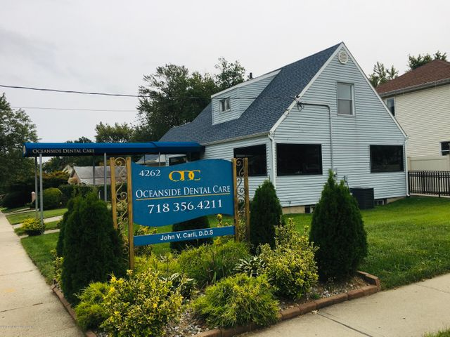 4262 Richmond Avenue, Staten Island, NY 10312