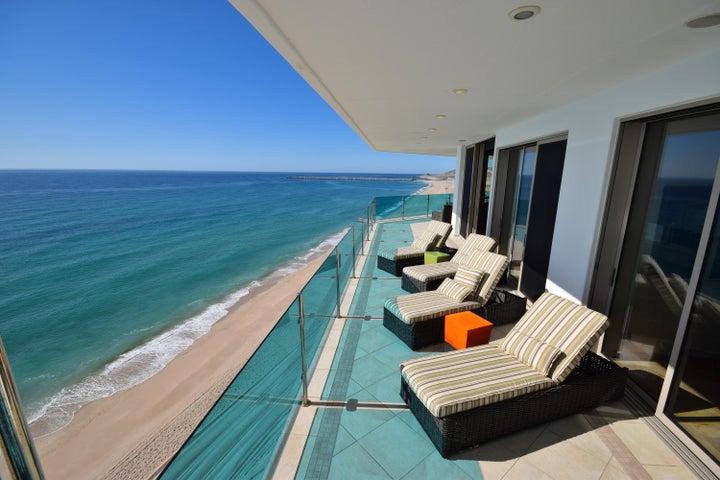 Balcony hugs the Beachline