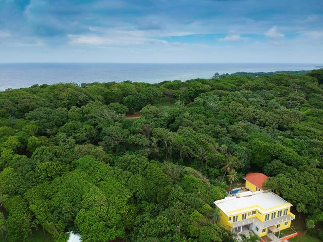 Latitude 16 Lot 14, Roatan,