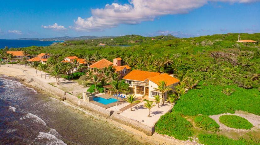 Parrot Tree Plantation, Luxury Beachfront Home at, Roatan,