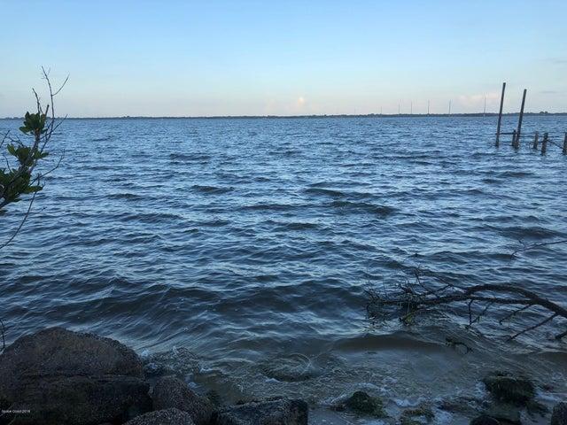 3477 Indian River Drive N, Cocoa, FL 32926