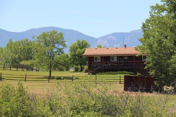102 Beaver Creek Road, Sheridan, WY 82801