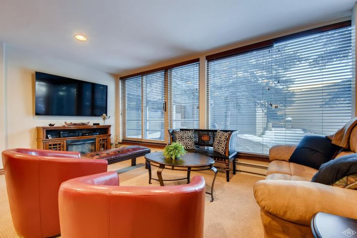 Beautifully renovated Simba Run condo perfect for longer stays in Vail to enjoy all that Vail Valley has to offer. Turnkey w/ expanded gourmet kitchen, larger dining area & living room. There is one storage locker plus a ski locker & comfortable office space when you need to work. Most convenient of the Simbas w/no noise or I70 impact. Shuttle to slopes plus on TOV free bus. Underground parking, private indoor pool & 2 hottubs. Staffed front desk.