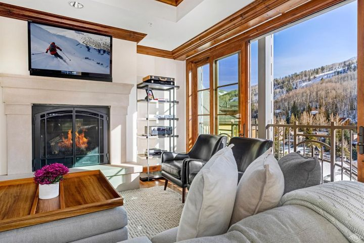 One of the first residences to sell during pre-construction for a reason! The views are incredible and the location within The Ritz-Carlton Residences is hard to beat. Situated at the base of Vail Mountain within walking distance of exceptional shopping, restaurants and the Eagle Bahn Gondola. Visit mls.RitzCarlton515.com