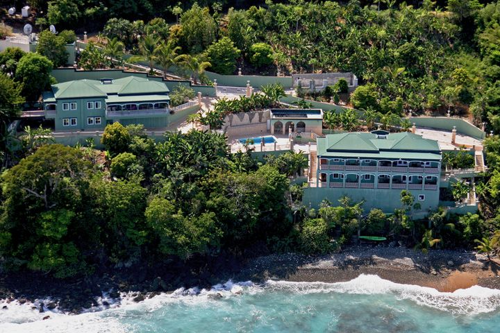 Situated on the shore down from world famous Magens Bay