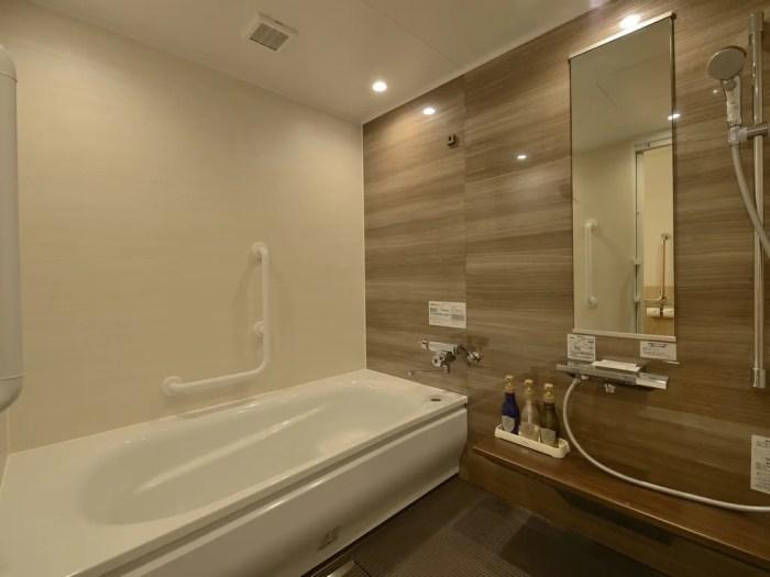 【JPリゾート伊豆高原】スタンダードユニバーサルツインのバスルーム