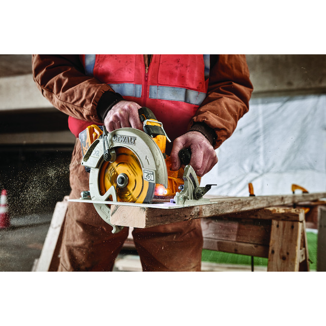 dewalt power detect 20v circular saw kit with battery and charger 7 25 in
