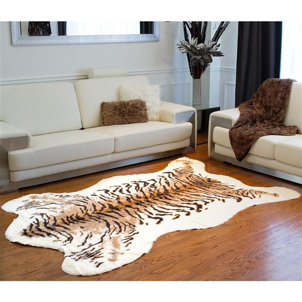 tapis en fausse en peau de vache 5 25 x 7 5 tigre