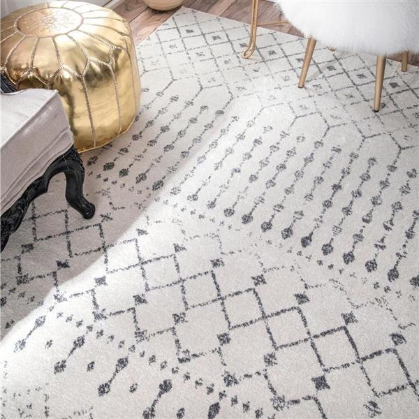 tapis d interieur 7 x 9 motif marocain blanc et gris