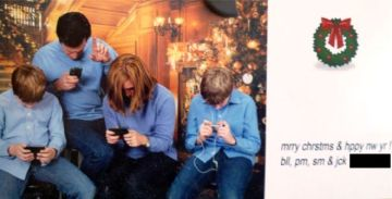 funny christmas cards family texting Nine Awkwardly Hilarious Christmas Cards