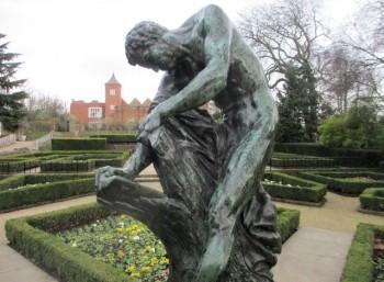 Άγαλμα του Μίλωνα στο Holland Park του Λονδίνου