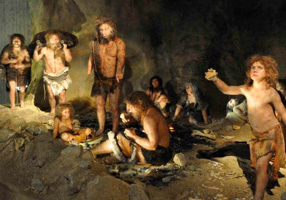 Neanderthals in a cave. Image credit: Tyler B. Tretsven.