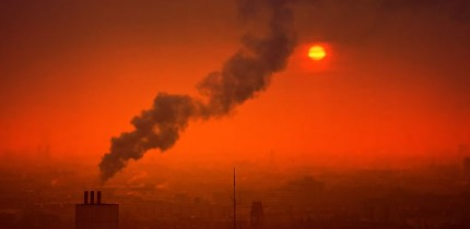 In this study, air pollution exposure was associated with increased odds of psychotic experiences in adolescence, which partly explained the association between urban residency and adolescent psychotic experiences. Image credit: Johannes Plenio.