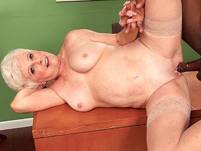 mrs. jewel cum shot