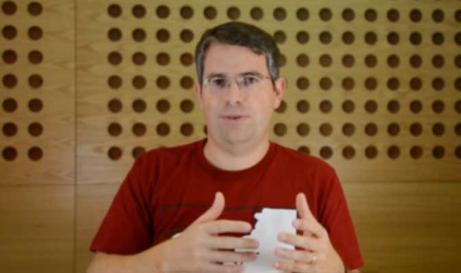 Screenshot of Google's Matt Cutts discussing PageRank and 301 redirects in a Webmaster Help video