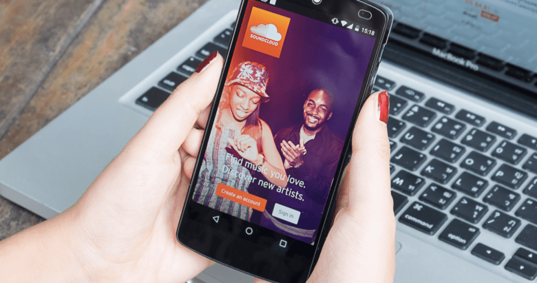 Instagram Lets Users Share Audio from SoundCloud to Stories - Search Engine  Journal