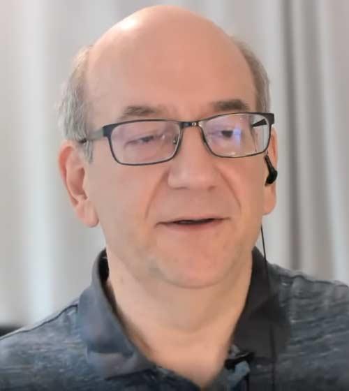 Google's John Mueller discussing hidden links