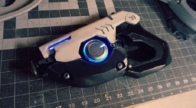 Realistic AF Tracer Pulse Pistol That Shoots Lasers And