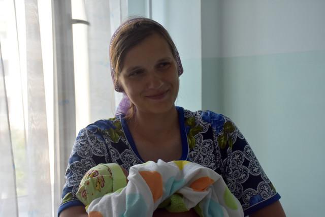У Житомирі в один день жінка народила 14-ту дитину, а її невістка - третю