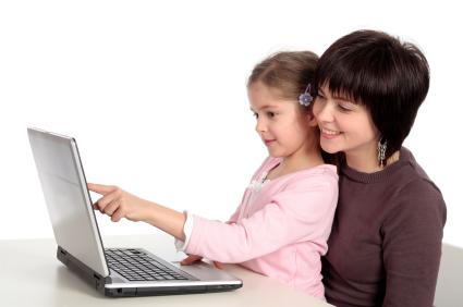 https://i2.wp.com/cdn.sheknows.com/articles/2010/10/Mom_Daughter_Computer.jpg
