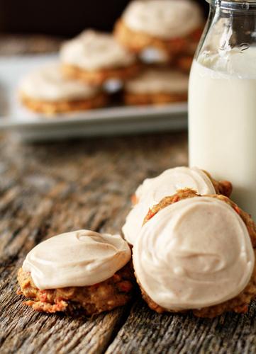 https://i2.wp.com/cdn.sheknows.com/articles/2010/12/vectors/Carrot-Cake-Cookies-Pic_2.jpg