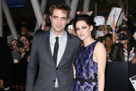Robert Pattinson at Breaking Dawn movie premiere