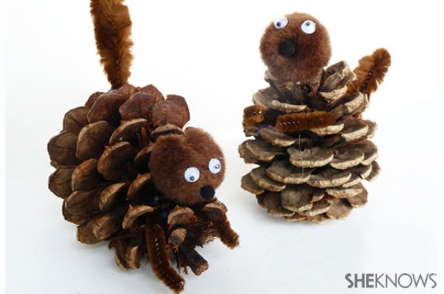 Pine Cone Squirrel inspired by Surly from The Nut Job | #thenutjob #squirrel #crafts