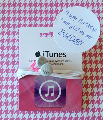 itunes gift card with earbuds
