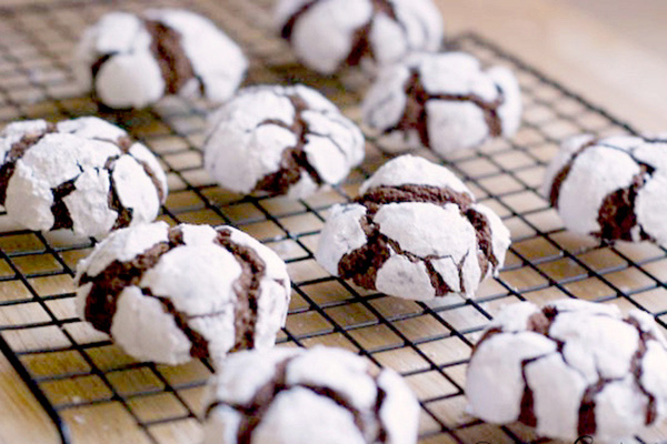 Chocolate snowball crinkles