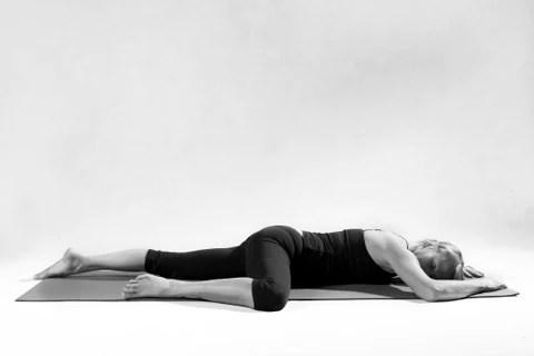 Bildresultat för sleeping half frog yoga