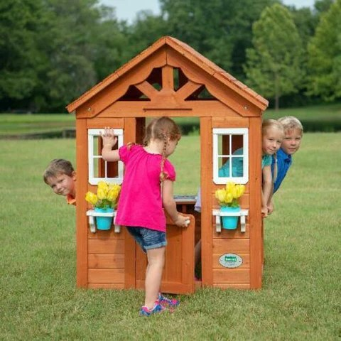 toddlers indoor playhouse