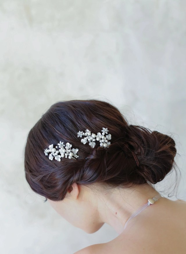 pearl and leaf cluster bobby pin pair - style #515 | twigs