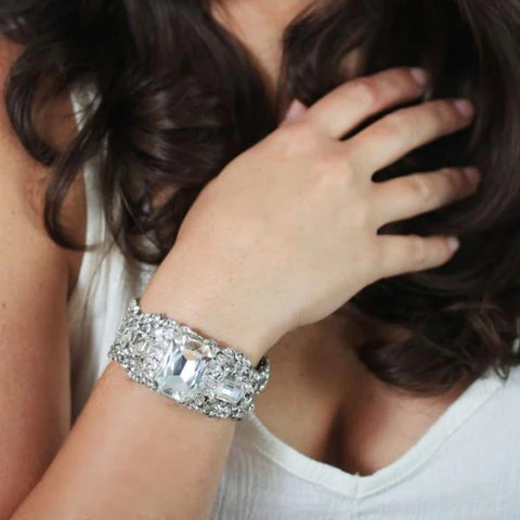 Claudia Cuff, Justine M Couture, Happily Ever Borrowed