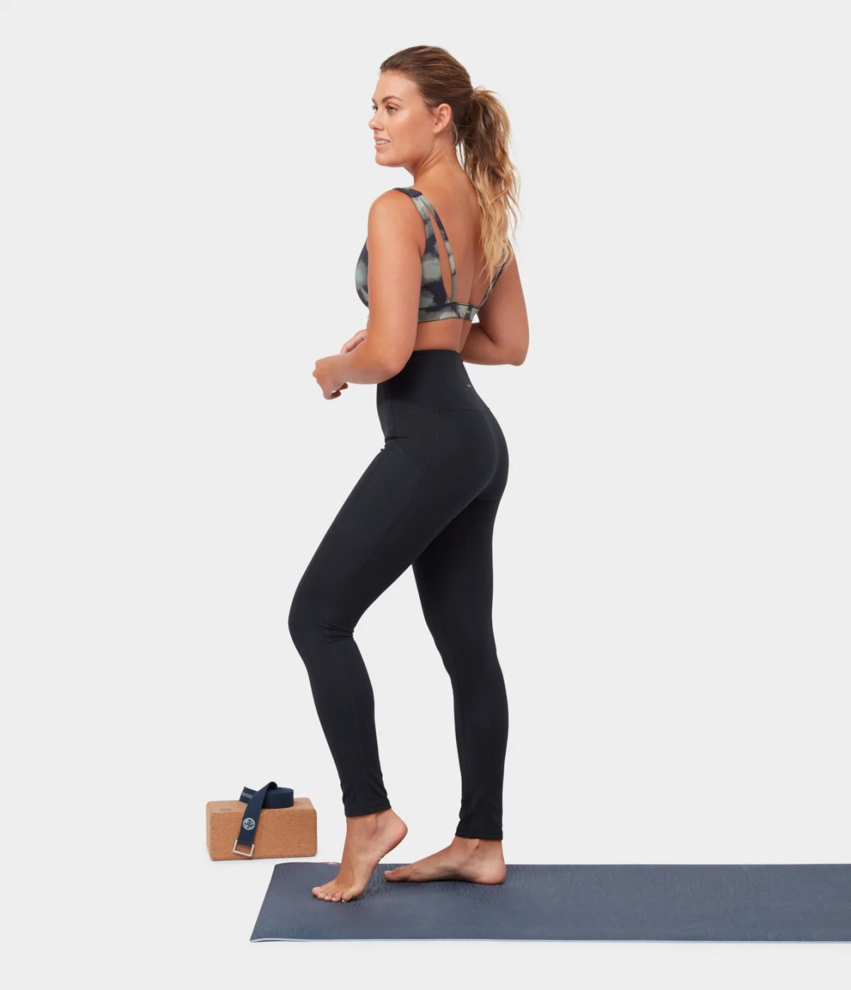 TOP 9 WOMEN'S YOGA LEGGINGS & BOTTOMS TO MAKE ANY WOMAN LOOK AND FEEL INCREDIBLE