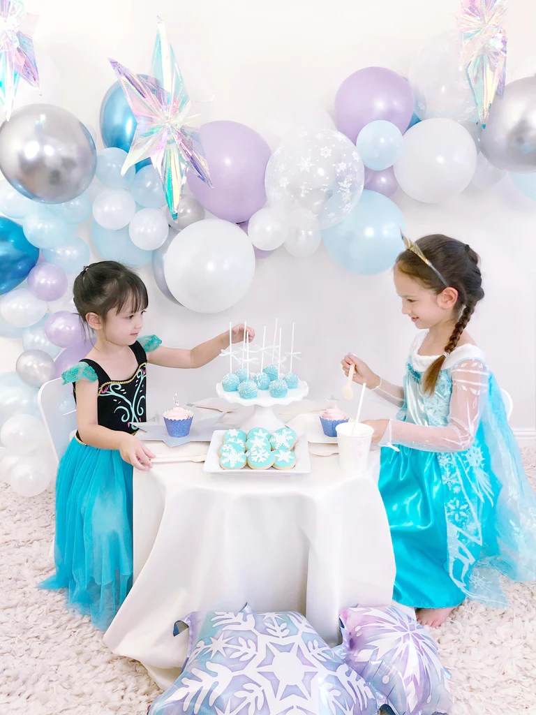 Girl S Frozen Themed Birthday Party Ideas Momo Party