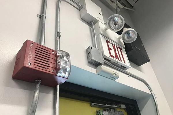 emergency lighting based on building