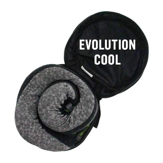 evolution neck pillow case cabeau