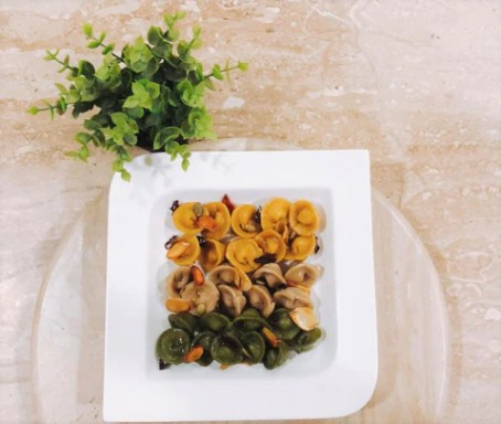 Tri coloured Pasta using oats and brown rice flour