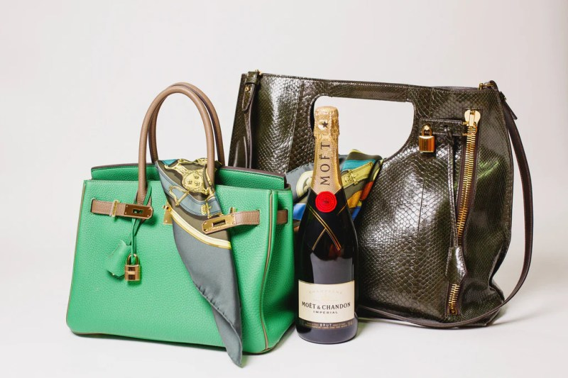 Green Hermes bag with champagne