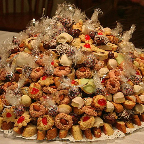 How to Make an Italian Wedding Cookie Cake – Candy Cake Weddings