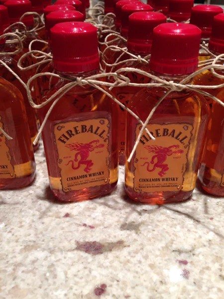 Cinnamon Whisky Wedding Party Favors Candy Cake Weddings Favors And Custom Gifts