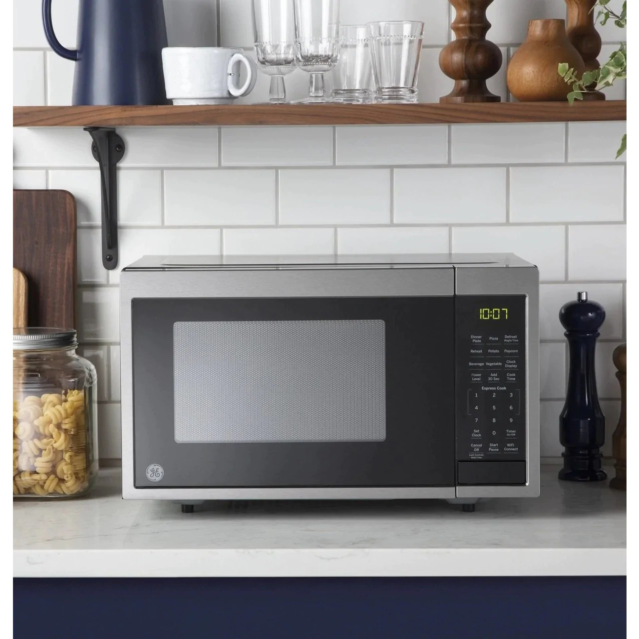 ge 0 9 cu ft capacity smart countertop microwave oven with scan to cook technology