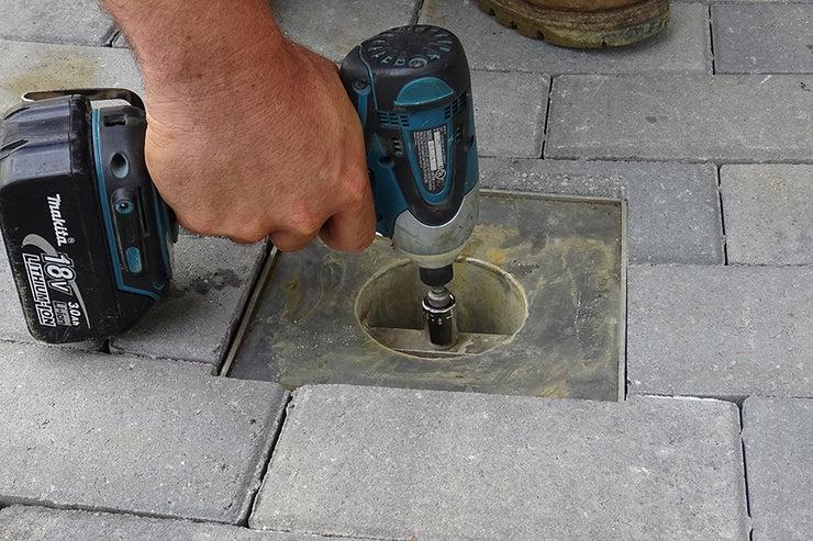 quick e adjustable patio drain pave