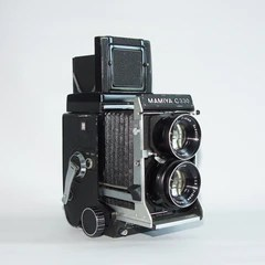 Mamiya  C330F with 80/2.8 Kit
