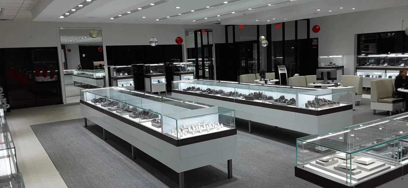 lighting 4 diamonds display case