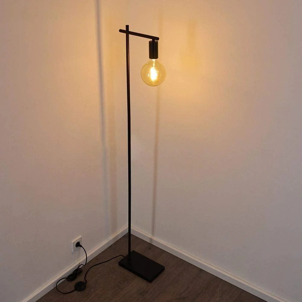 lampadaire industriel noir minimaliste v2